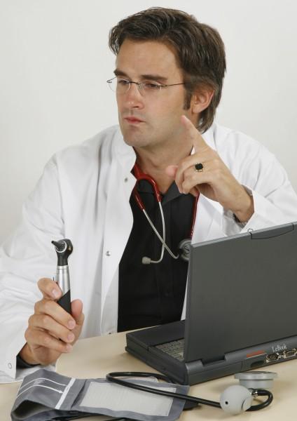 lekarz medyk doctor medyczny fartuch doktor