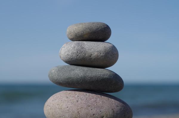 relaks saldo stosy kamieni morskich morze