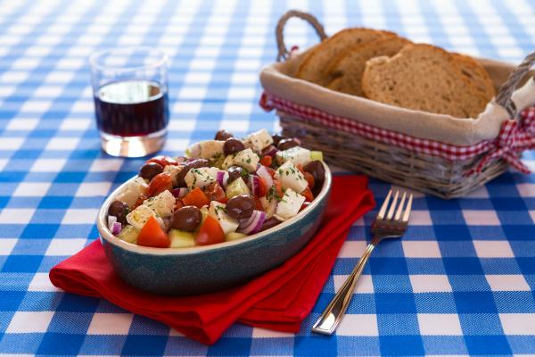 salatka grecka z oliwkami z sera