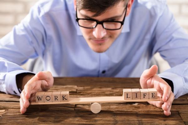 osoba chroniaca rownowage miedzy zyciem zawodowym