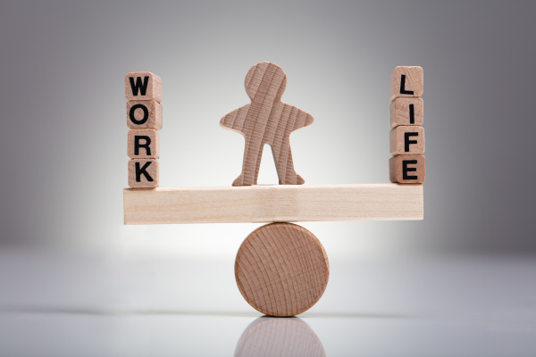 blok pracy i zycia na drewnianej