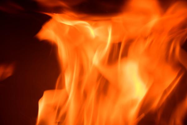 ogień, w, kominku, pożar, kłód, prowincja, alicante, costa, blanca, hiszpania - 28216973