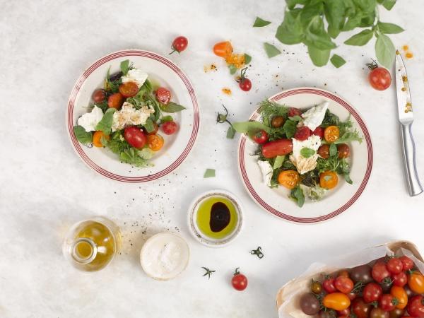 sałatka, z, pomidorów, i, mozzarelli - 29890178