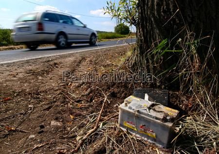 przyroda srodowisko drzewo samochod automobil gefaehrt