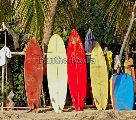 deski surfingowe na bali beach