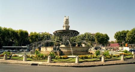 rotonde fontanny w aix