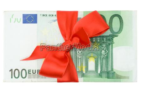 banknoty z czerwona kokarda