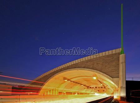tunel autostrada transport drogowy droga szybkiego