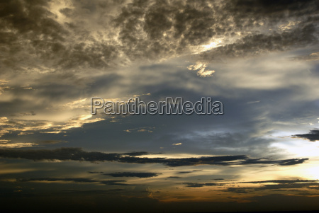 burza burze firmament niebo sklepienie sztorm