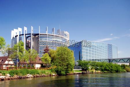 europa parlament alzacja styl budowy architektura