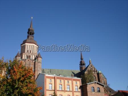 wieza hansestadt dzwonek stralsund mechlenburgvorpommern marienkirche