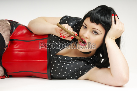 kobieta womane baba cygaro moda makijaz