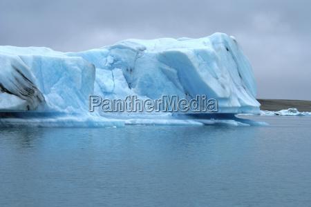 zimno chlod islandia gora lodowa