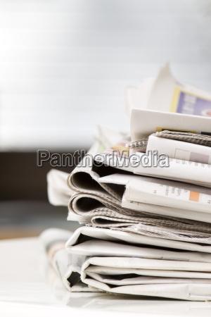 komunikacja wiadomosci gazety prasa prasy codziennej