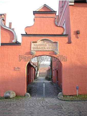 port duch porty srodladowej swiety mecklenburgvorpommern