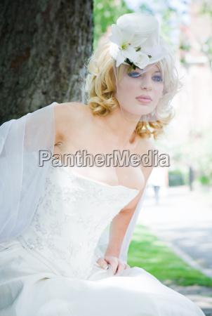 moda zenski twarz buzia wesele malzenstwa