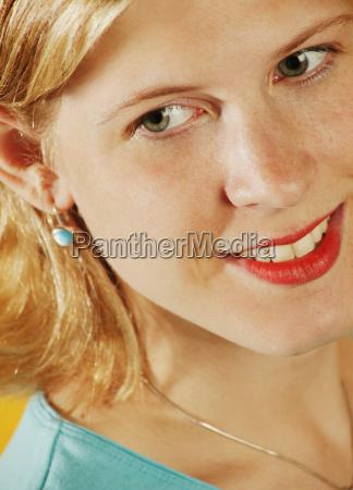 zblizenie twarzy kobiety