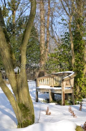 ogrod ogrodek zima zimowy mroz przymrozki