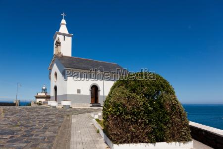 kosciol luarca asturia hiszpania