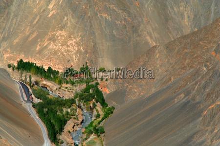gory pustynia oaza dolina gora river