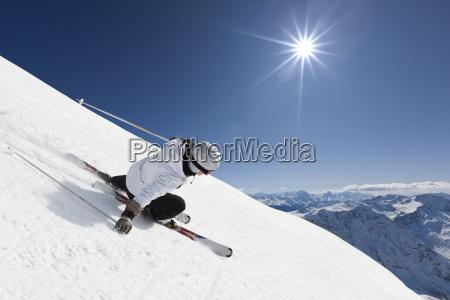 kobieta narciarz gorskich