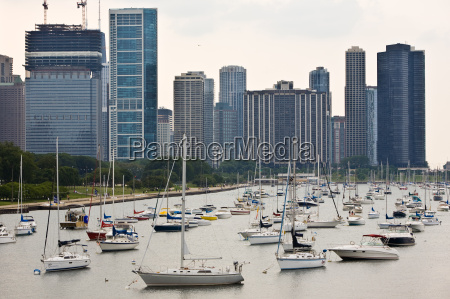 waterfront with chicago skyline