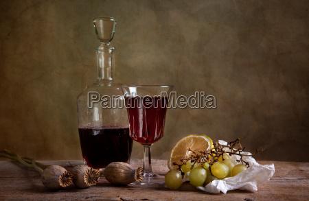still life szklo kubek kielich wino
