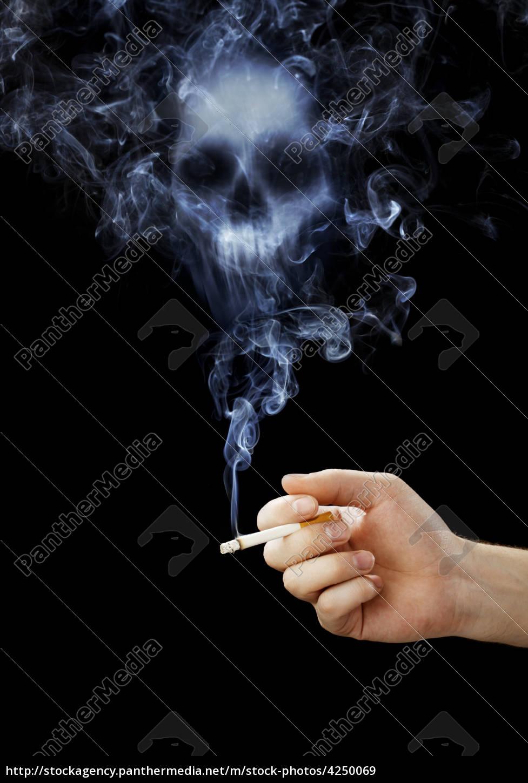 dłoń, trzymająca, papierosa, śmiertelnego, dymu. - 4250069