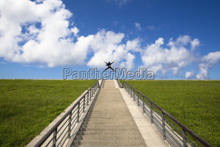 the stairs to the successhappy businessman