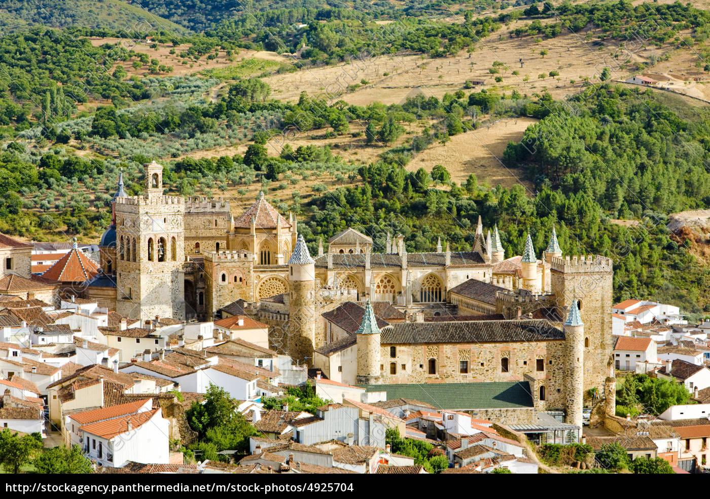 guadalupe, prowincja, caceres, estremadura, hiszpania - 4925704