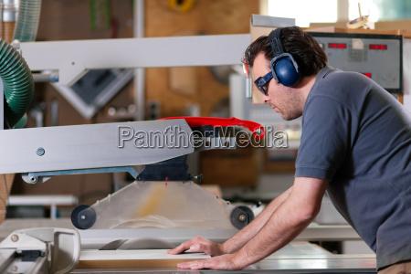 rzemieslnik warsztaty warsztat stolarskie stolarka stolarnia