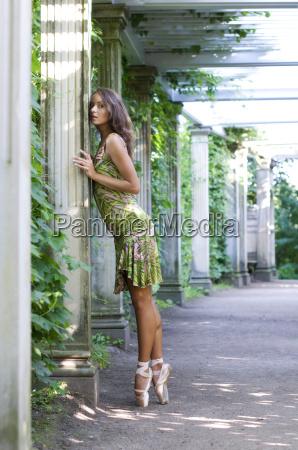 baletnica, tańczy, outdor - 5017973