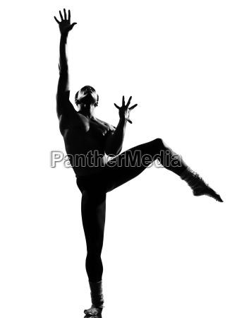 mezczyzna tancerz tanczy