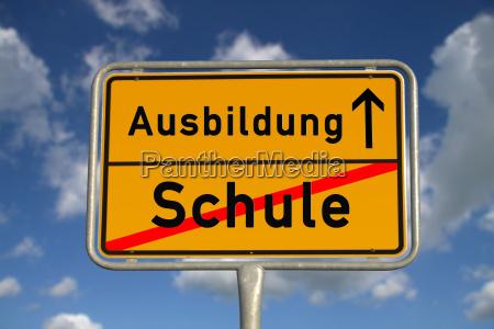 niemieckie miasto znak edukacja szkolna
