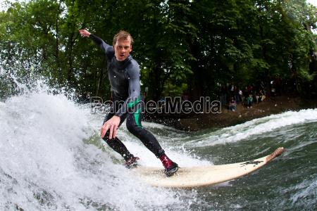 fala surfing monachium sport wodny surfowanie
