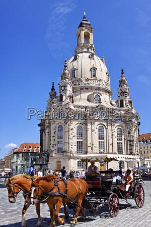 kosciol pomnik kon konie niemcy republika