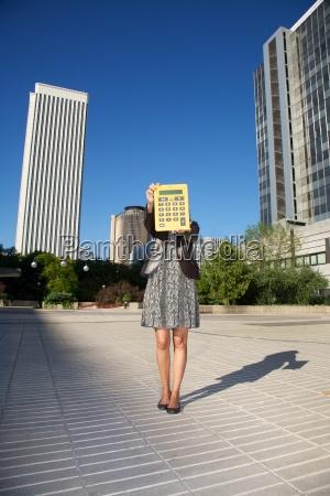calculator woman in madrid city