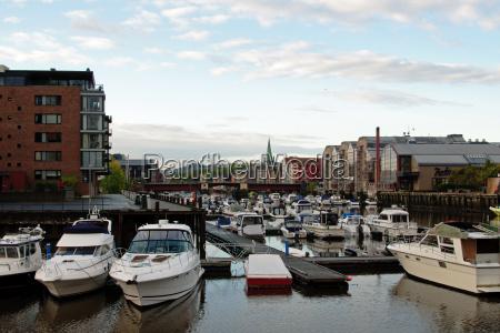 niebieski port norwegia porty jacht motorowka