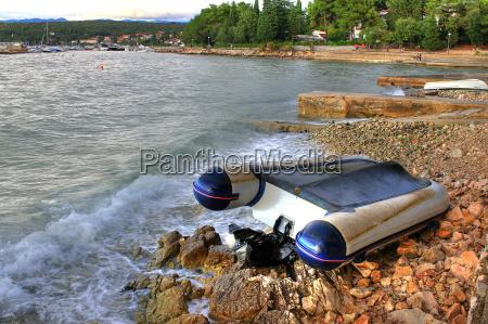 kamien pestka wybrzeze crash kahn taryfa