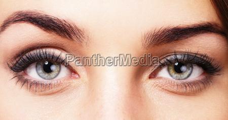 piekne oczy kobiety