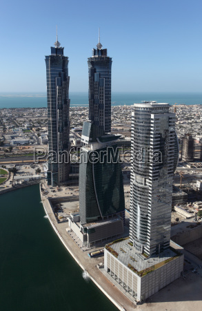 wiezowce w business bay w dubaju