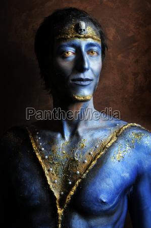 niebieski meski czlowiek fotomodelka model czlowieczek