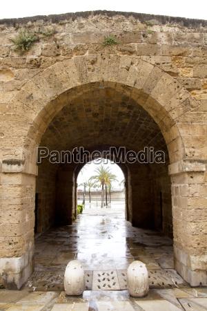 arches of barrio calatrava los patios
