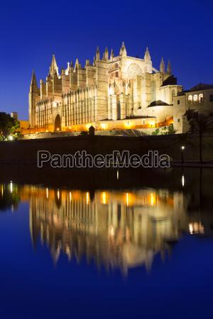 cathedral of majorca in palma de