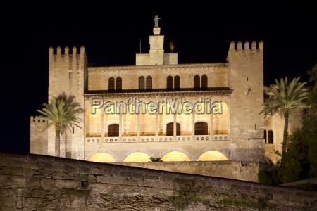 la almudaina palacio real palace in
