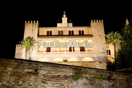 almudaina palacio real o alcazar in