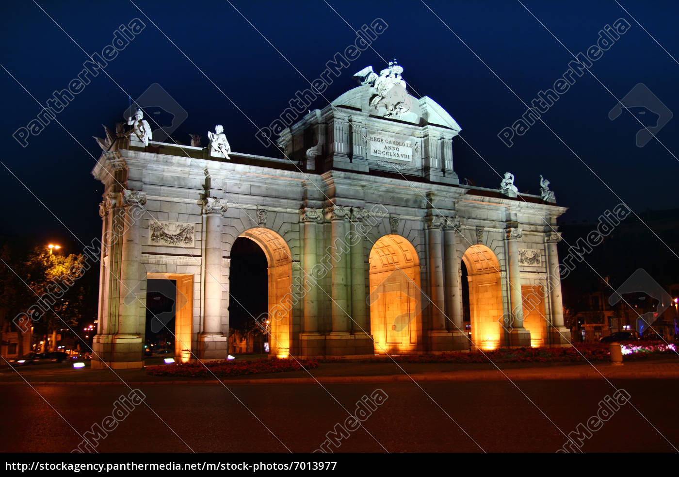 alcala, puerta, in, madrid, with, night - 7013977