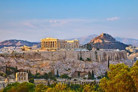akropol o zachodzie slonca