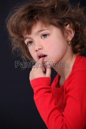 portret ciekawej dziecka