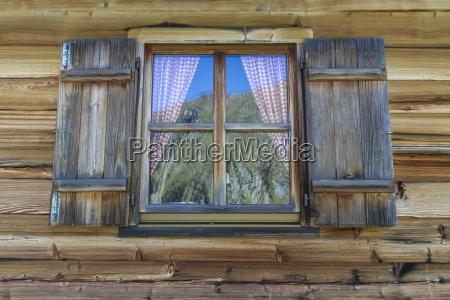 drewniane, chaty, z, oknami, w, alpach - 7884529